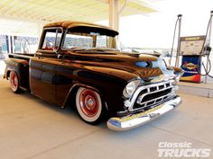 Check out Dave Parish& restored 1957 Chevy 3100 Stepside truck with its Global West front IFS tubular suspension kit, & GM 454 and more! 57 Chevy Trucks, Classic Chevy Trucks, Classic Cars, Chevy Stepside, Chevy Pickups, Cool Trucks, Cool Cars, Classic Trucks Magazine, Vintage Pickup Trucks