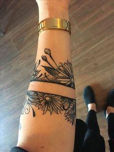 tatouage bracelet avant bras encre noire manchette tattoo pinterest. Black Bedroom Furniture Sets. Home Design Ideas