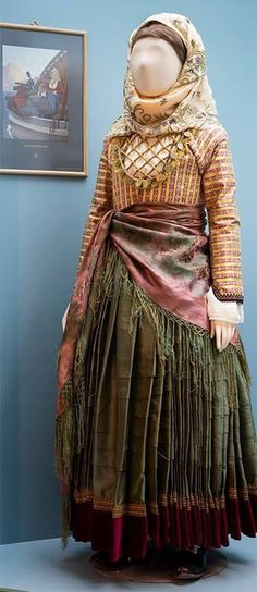 """Φορεσιά Ύδρας, Πελοποννησιακό Λαογραφικό Ίδρυμα """"Β. Παπαντωνίου"""". Pli, Victorian, Dresses, Fashion, Vestidos, Moda, Fashion Styles, Dress, Fashion Illustrations"""