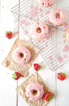Strawberry buttermilk donuts with strawberry glaze. Featured Dessert: A Happy Food Dance Donut Recipes, Baking Recipes, Dessert Recipes, Baking Ideas, Dessert Ideas, Delicious Donuts, Yummy Food, Yummy Treats, Sweet Treats