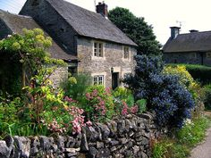 English Cottage garden - just love the look. reminds me of my grandmothers property - My Cottage Garden England Countryside, French Countryside, English Country Gardens, Garden Cottage, Backyard Cottage, Brick Cottage, Mountain Cottage, Fairytale Cottage, Cottage House