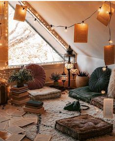 New Stylish Bohemian Home Decor Ideas You are in the right place about Decoration bedroom Here we offer you the most beautiful pictures about the Decoration wood you are looking for. When you examine the New Stylish Bohemian Home Decor Ideas part of … Decor Room, Diy Home Decor, Bedroom Decor, Bedroom Ideas, Wall Decor, Bedroom Wall, Home Decor Lights, Stylish Home Decor, Master Bedroom