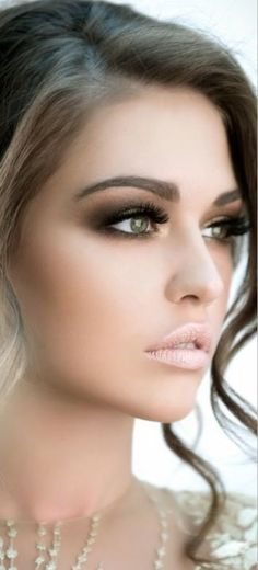 Basic make up rule: xplode one thing in u make up to make it looks perfect :D