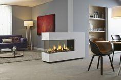 DRU - Metro Eco Wave De ultieme driezijdige gashaard als roomdivider. Double Fireplace, Home Fireplace, Fireplace Design, Gas Fireplaces, Fireplace Glass, Modern Fireplaces, Contemporary Gas Fires, See Through Fireplace, Casa Loft