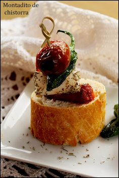 Finger Food Appetizers, Appetizer Recipes, Chorizo, Best Spanish Food, Reception Food, Comida Latina, Mini Foods, Appetisers, Food Presentation