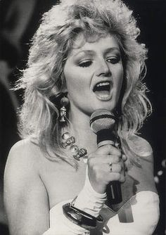 Veteran gravelly-voiced singer Bonnie Tyler is to represent Britain at the Eurovision Song Contest, the BBC has announced. 80s Music, Music Icon, Look Vintage, Vintage Ladies, Sun In Gemini, Voice Singer, Bonnie Tyler, Women Of Rock, Marie Osmond