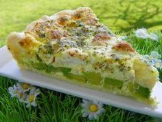 QUICHE SAUMON AVOCAT BOURSIN (thermomix) Broccoli Quiche, I Love Food, Fish Recipes, Food Art, Pesto, Entrees, Zucchini, Main Dishes, Pizza