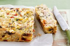 Serve this tasty Mediterranean Tuna Rice Bake straight from the oven for dinner, then wrap up any leftovers for a super-healthy lunch box filler. Rice Bake Recipes, Baking Recipes, Salmon Recipes, Seafood Recipes, Tinned Tuna Recipes, Healthy Tuna Recipes, Cuban Recipes, Healthy Lunches, Nutritious Meals