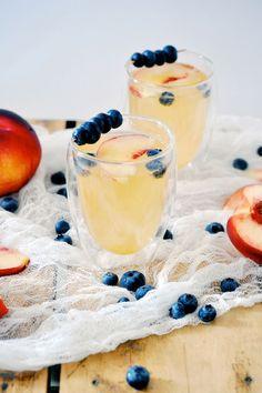 Peach Gin Fizz - 16 Best Summer Cocktails | GleamItUp