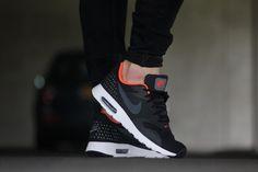 Nike Air Max Tavas Black Dark Grey/ Crimson - 705149-008