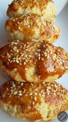 Anne Poğaçası Food Recipes For Dinner, Food Recipes Keto Burger Recipes, Meat Recipes, Cooking Recipes, Healthy Eating Tips, Healthy Snacks, Berry Pie, Snacks Für Party, Party Drinks, Turkish Recipes