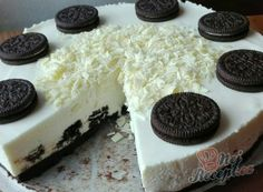 Oreo cheesecake without baking, prepared in 30 minutes - Germany Rezepte Ideen Oreo Cheesecake, Cheesecake Recipes, Oreo Biscuits, No Bake Treats, Oreo Cookies, Diy Food, No Cook Meals, Bakery, No Bake Oreo Cake