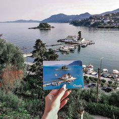 Shot by @tnanoyan  О том что мало много любили и путешествовали  P.S. Мечта о собственной открытке в открытке. Done  #cafekanoni #korfu #kanoni #pontikonisi #pontikonisiisland #mouseisland #vlahernamonastery #perama #welcometocorfu #greeceinspo #greekvacation #greekislands #corfu #corfuvibes #travelingreece #travelpic