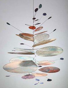 Saltwater IV by Sydney-based artist Jade Oakley Mobile Sculpture, Sculpture Art, Sculpture Projects, Art Projects, Mobiles Art, Bijoux Fil Aluminium, Kinetic Art, Artwork Images, Wire Art