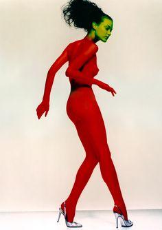 shalom, british vogue photography nick knight fashion photography of the nineties Nick Knight Photography, Nude Photography, Fashion Photography, Photography Ideas, Human Poses Reference, Body Reference, Anatomy Reference, Pagan Poetry, Shalom Harlow