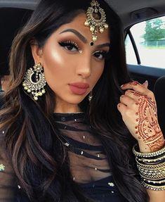 Trendy makeup looks halloween faces ideas Indian Makeup Looks, Vintage Makeup Looks, Dark Makeup Looks, Glitter Makeup Looks, Makeup Looks For Green Eyes, Simple Makeup Looks, Bridal Makeup Looks, Wedding Makeup Looks, Pakistani Makeup Looks
