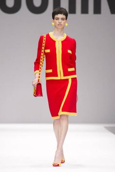 Moschino Fall 2014 Ready-to-Wear Runway - Moschino Ready-to-Wear Collection
