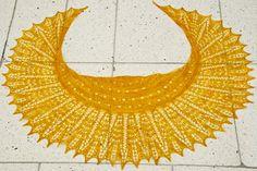 Good Day Sunshine shawl: Knitty Spring+Summer 2012 - #freepattern