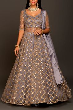 6Y Collective Indian Fashion Dresses, Indian Gowns Dresses, Dress Indian Style, Indian Designer Outfits, Pakistani Dresses, Eid Dresses, Pakistani Bridal, Bridal Lehenga, Indian Outfits