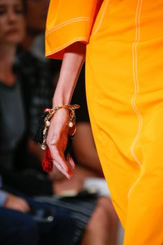 Oscar de la Renta Spring 2016 Ready-to-Wear Fashion Show Details