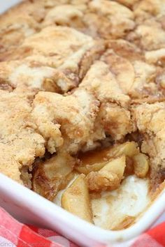 Apple Recipes Easy, Apple Dessert Recipes, Sweet Recipes, Baking Recipes, Apple Cobbler Recipes, Easy Apple Desserts, Apple Cobbler Easy, Green Apple Recipes, Apple Pie Recipe Easy