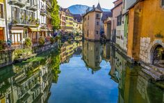 So absolutely beautiful. Its like a surreal dream in which you dive into the water and its is in fact diving into the sky; the reflection becomes your reality as you drift away to a simpler kind of life. allthingseurope: Annecy, France (by Rest Of The World, Places Around The World, Around The Worlds, Best Vacation Destinations, Best Vacations, Best Places To Retire, Places To See, Chile, Visit Bordeaux