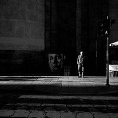 #blackandwhite #crossing #graffiti #people #streetart #streetphotography #igerslombardia #igersmilano #ig_captures #ig_blackandwhite #seemycity #light #photographyislifee #italia #fotografiadistrada #ig_europe #ig_milano #ig_2016 #discoveritaly #milanodavedere #vivimilano by tudor_nadal