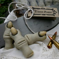"""Zombie Rations for Walking Dead Fans: 1 Gift Box of Five Almond Flavored """"Zombie Parts"""" Cookies"""