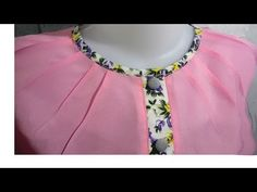 how to sewing a simple blouse design Blouse Designs High Neck, Chudi Neck Designs, Simple Blouse Designs, Clothing Patterns, Sewing Patterns, Blouse Tutorial, Kids Frocks Design, Bodice Pattern, Stitching Dresses