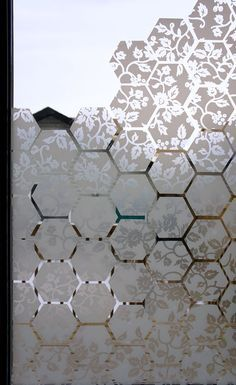 Make your own window film design; do on window between kitchen & storage room Make your own window film design; do on window between kitchen & storage room Bathroom Window Coverings, Bathroom Windows, Sunroom Windows, Pattern Texture, Window Privacy, Window Curtains, Window Graphics, Contact Paper, Glass Film