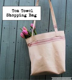 Got a spare tea towel but need a new shopping bag? Well have I got the DIY tutorial for you! Head over to Craftyism.com to follow along with this simple sewing tutorial. |Sewing | Bag | How-to |