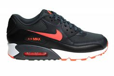 Tough Nike Air Max 90 Essential men. Sneakerpaleis is the specialist in Nike Air Max 90 shoes. We have always a wide range of Air Max 90.