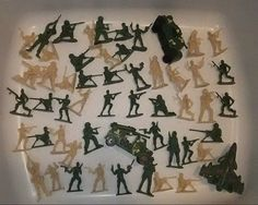 Mixed Lot Plastic Soldiers And Vehicles Army Men Toy War Green Brown
