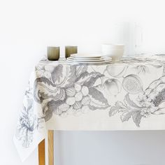Zara HOME AW17 fruit graphic black and white print line tablecloth
