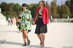 #LauraComolli and #AngelicaArdasheva, #Paris #fashionweek #streetstyle #PFW. Picture by @MariePaolaBH