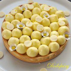Et voilà une nouvelle recette de tarte au citron, autant vous dire qu'elle a eu beaucoup de succès auprès de ma grande et de mon chéri!! Cette tarte se compose d'une pâte sucrée, d'une crème frangipane (crème pâtissière au lait d'amande, vous pouvez utiliser...