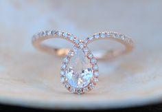 Rose gold ring Pear Sapphire COBRA ring 1ct white by EidelPrecious
