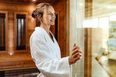 Besonders in den kühlen Herbst- und Wintermonaten ist ein intaktes Immunsystem wichtig. Die angenehme Wärme einer Infrarotkabine oder Sauna kann hier unterstützend wirken und Ihre Abwehrkräfte stärken! Infrarotstrahlen erzeugen Wärme, spenden Energie und verhelfen zu neuer Vitalität. Lange Vorheizzeiten sind in Armstark-Infrarotkabinen kein Thema – die Lufttemperatur steigt auf ausreichende 40 - 45°C. Infrarot Sauna, Spa, Lifestyle, Sleep Well, Immune System, Feel Better, Health, Tips, Make A Donation