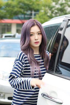 Irene - On the way to Cultwo Show Red Velvet Seulgi, Red Velvet Irene, Lavender Hair, Hair Color Purple, Velvet Fashion, Korean Women, Sweet Girls, Girl Crushes, Kpop Girls