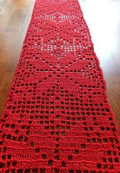 sale christmas table runner crochet doily crochet tablecloth christmas doily red table decor patterned table runner 59 x 67 in - PIPicStatsA bottle of wine or drinks themed basket is a classic gift - and you can make it even better by including these Filet Crochet, Thread Crochet, Crochet Crafts, Crochet Stitches, Crochet Projects, Crochet Quilt, Christmas Crochet Patterns, Holiday Crochet, Crochet Christmas Decorations