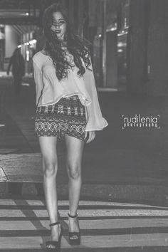 Foto tomada en las calles de #NewYork para mi lente modela #SahiraMonic de #Annjo #rudileniaphotogrqphy #makeup #rosemary #nikon #d7100 #50mm #fashion #b&w