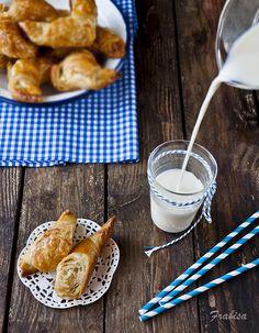 Cruasanes, Croissants, desayuno, merienda by Frabisa, via Flickr