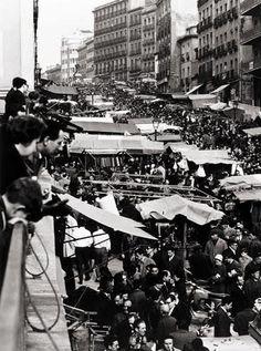 Picture of EL RASTRO from 1966 #madrid #spain #vintage