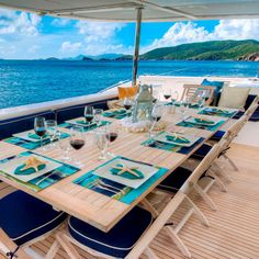 Dining alfresco on the aft deck today of the Zingara. 🍽 Looks perfect? We can help you book this boat! For more information on the Zingara or crewed yacht charters in general, click the link to check out our website 🛥 Yacht Vacations, Yacht Fashion, Nautical Table, Beer Club, Below Deck, Boat Interior, Charter Boat, Luxury Holidays, Speed Boats