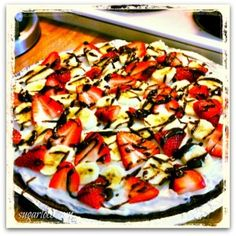 Loco Kids :: Decadent Fruit Brownie Pizza {Recipe}
