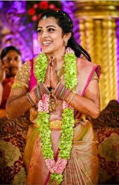 Flower Garland Wedding, Flower Garlands, Flower Decorations, Wedding Garlands, Wedding Flowers, Wedding Decorations, Indian Reception, Wedding Reception Backdrop, Marriage Decoration