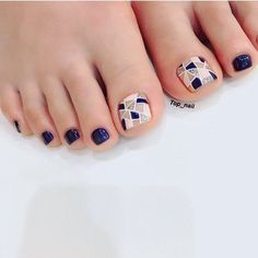 Attention to the semi-permanent varnish - My Nails Cute Pedicure Designs, Toenail Art Designs, Toe Nail Designs, Pretty Toe Nails, Cute Toe Nails, Pedicure Nail Art, Toe Nail Art, Easy Nail Art, Hair And Nails