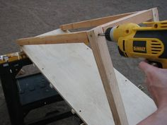 When your dog starts to get too old to get onto the couch, or your dog\\\'s simply too small, there are easier things you can do other than picking him up. Ramps can make yours and your dog\\\'s life a lot easier, with built-in steps to help him get onto ... Dog Ramp For Stairs, Dog Ramp For Car, Pet Ramp, Diy Francais, Diy Dog Bed, Dog Care Tips, Dog Crate, Diy Stuffed Animals, Dog Houses