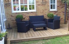 Lovely small decking area - that's what I want..platform deck.