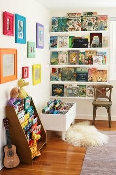 Creative Kids Reading Corner Ideas for the Home. DIY Book Bin and Shelves. Creative Kids Reading Corner Ideas for the Home. Kid's reading pods to inspire imagination and creativity; home reading nooks to provide comfort and rest. Ideas Decorar Habitacion, Reading Corner Kids, Reading Corners, Reading Nooks, Kids Corner, Nursery Reading, Book Themed Nursery, Corner Nook, Art Corner